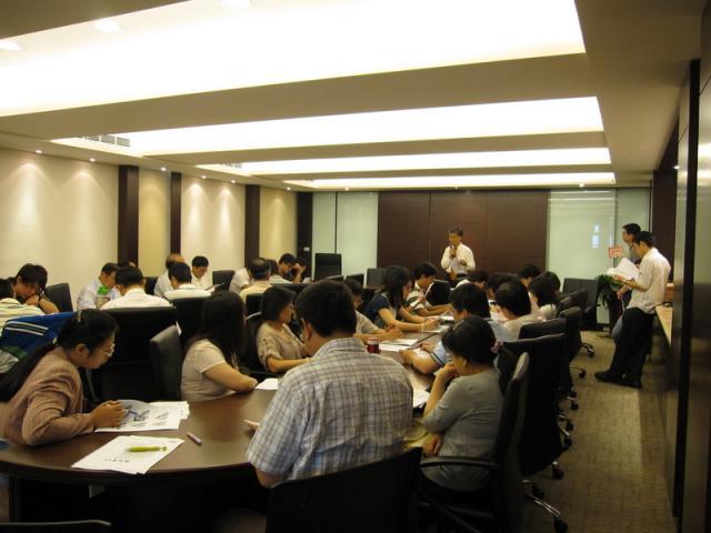 2009_0522諮詢站研討會012